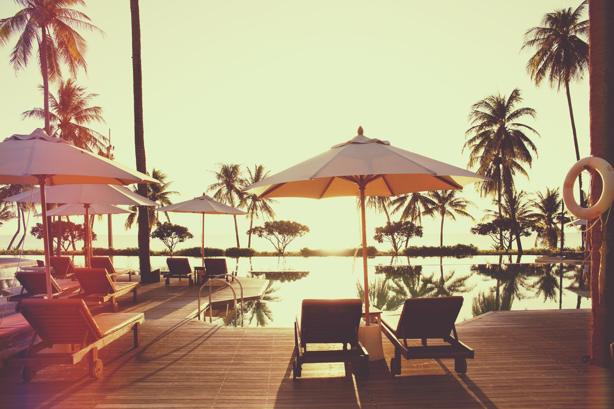 What Type Of Patio Umbrella Is Best For Your Resort?